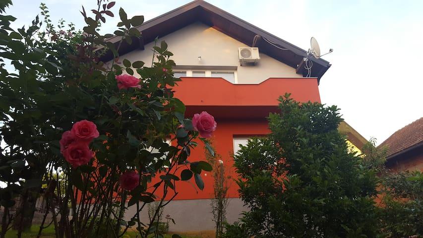 Apartman Kolaković - Slunj - Huis