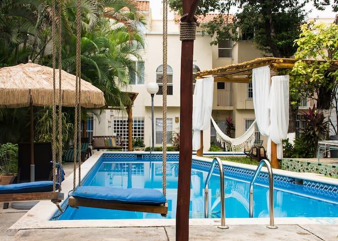 Habitación privada en la mejor ubicación, alberca. - Cancún - Dom