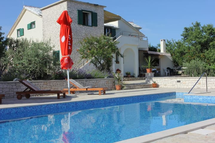 Luxury Villa with Private Swimming Pool - Donji Humac - Appartement