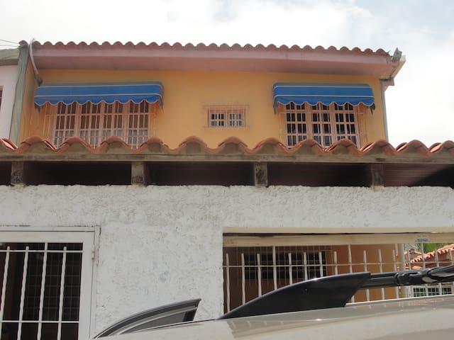 ideal para familias o amigos - Caraballeda - Huis