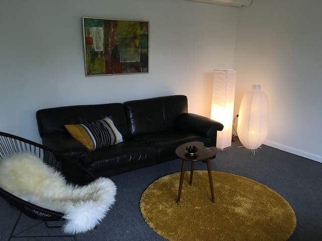 Quiet flat close to university and 15min from city - Risskov - Leilighet