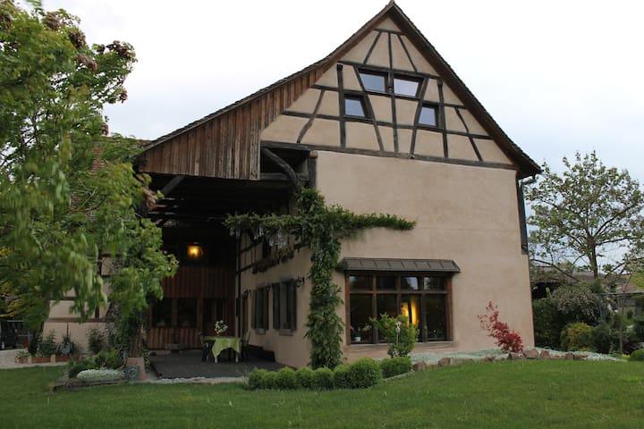 Chambre de charme à la ferme - Ohnenheim - Huis