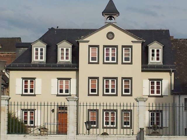 Landesmusikakademie am Rhein II - Neuwied - Huis