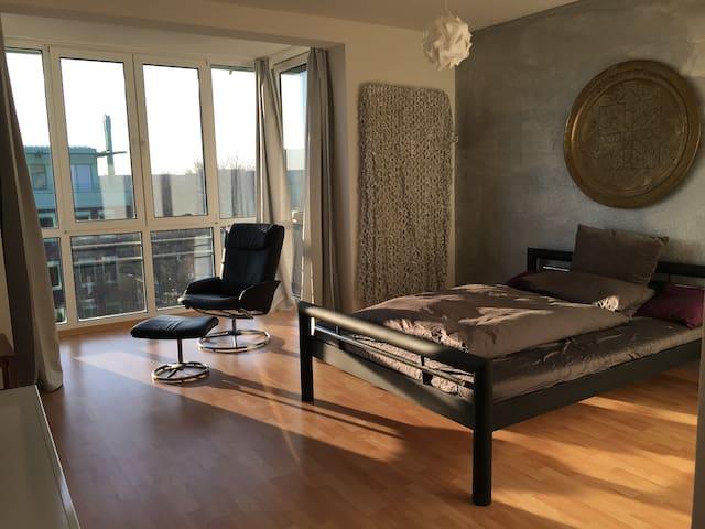 Zentrale und ruhige 1-Zimmer Wohnung auf Werder - Magdeburgo - Appartamento