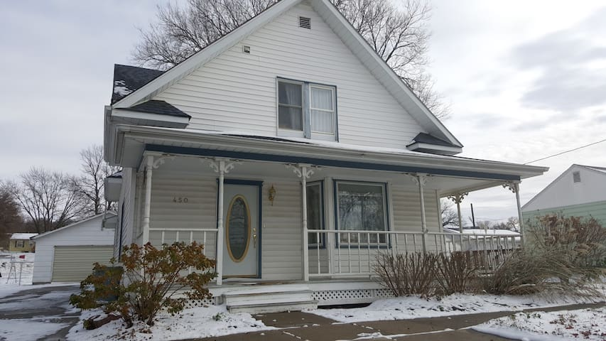 Family friendly house w/yard - West Point - Hus