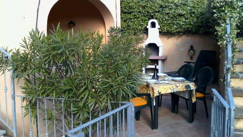 """""""Grazioso appartamento con tutti confort"""" - San Teodoro - Apartamento"""