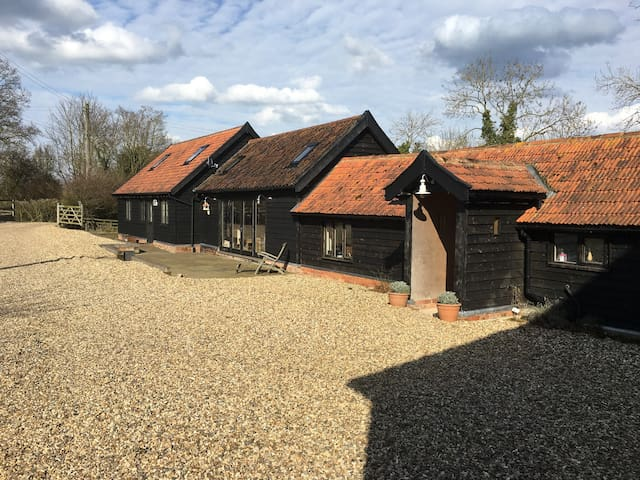 Gorgeous, Spacious but Cosy Detached Barn - Woodbridge - Bed & Breakfast