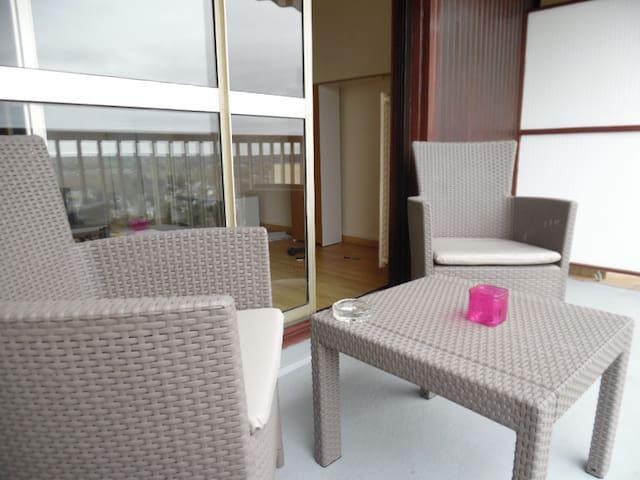 Studio fonctionnel, balcon agréable - Montrichard - Apartamento