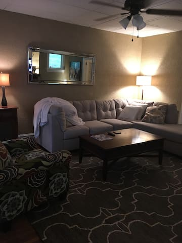 Cozy 1 bedroom, close to Capitol, - Harrisburg - Apartemen