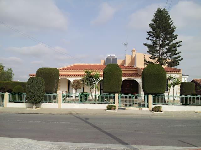 Villa with Swimming Pool & Garden & full amenities - Dali - Villa