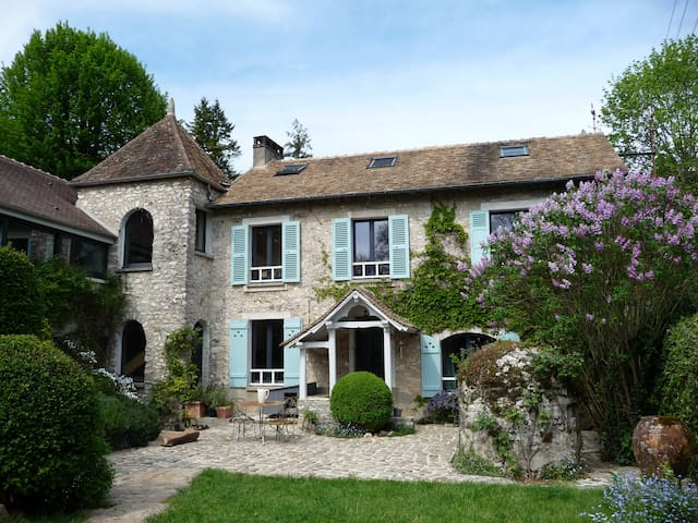 Charming country house 1 hour from Paris center - Courgent - Hus