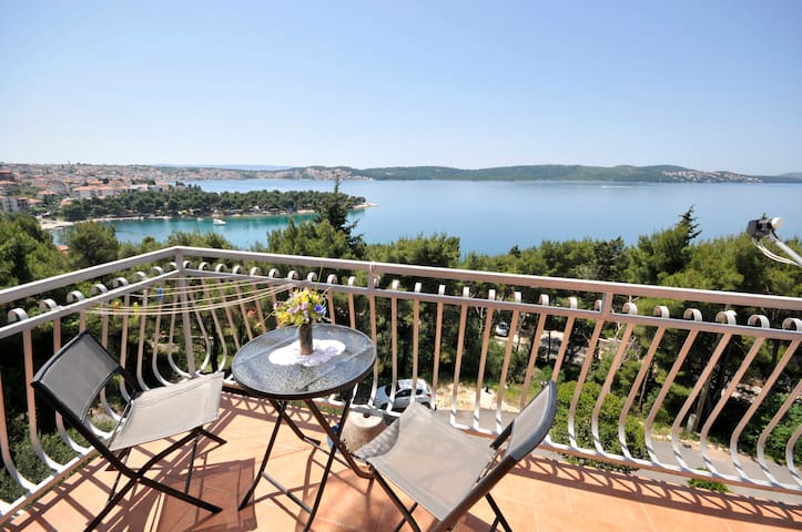Seaview Apartment 2 - Trogir