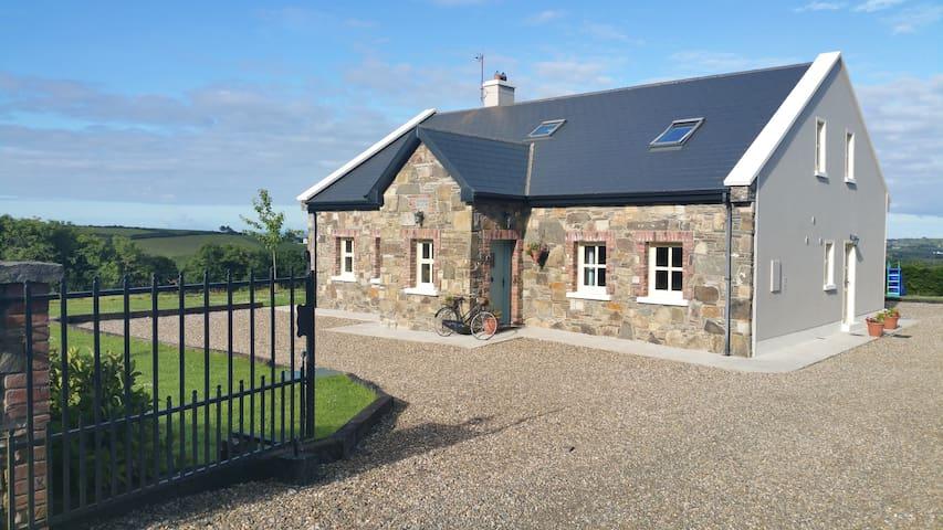 Kilmihil's Cosy Farm Apartment - Clare - Daire