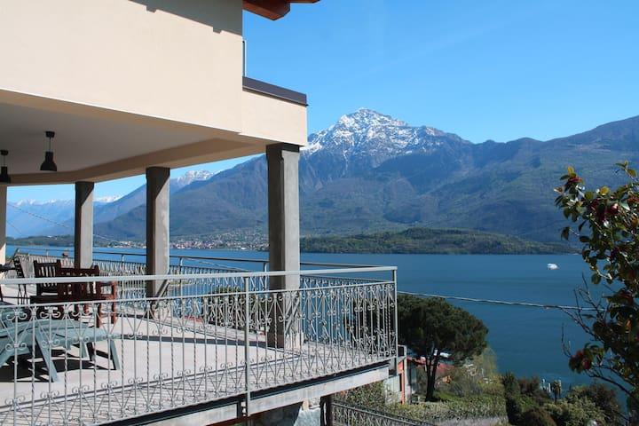 Amazing breathtaking ComoLake View - Domaso - Casa