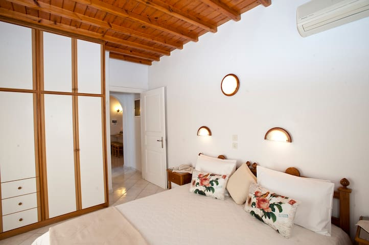 Apartment 40sm, 100metres from Ornos Beach Mykonos - Ornos - Daire