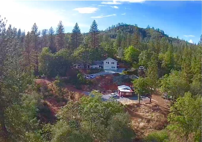 Mountain House with stunning Picturesque Views - Shasta Lake - 獨棟