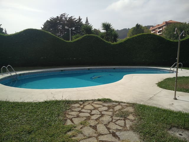 Flat by the beach with swimming pool - Castro Urdiales - Departamento