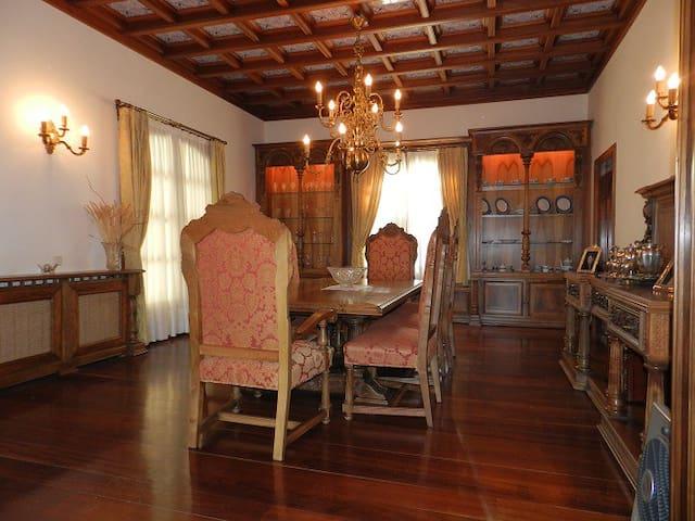 Espectacular Villa en la naturaleza - Campiña de Guadalajara - Villa