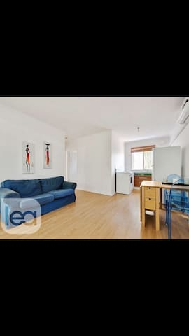 Cozy unit in a leafy CBD suburb- Second Floor - Kent Town  - Apartamento