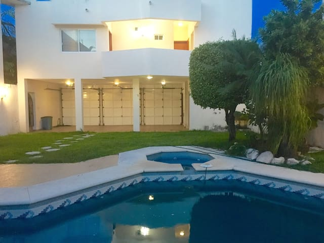 EXCLUSIVE PLACE NEAR THE BEACH WITH POOL & GARDEN! - Boca del Río - Appartement