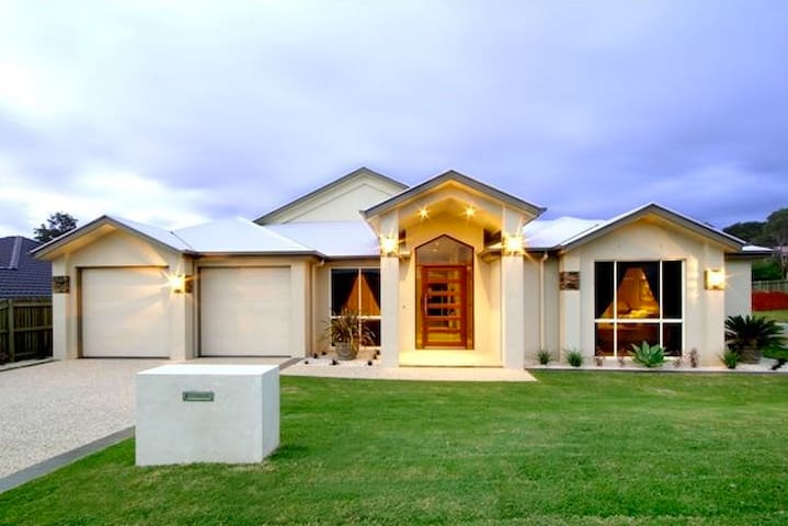 Classically elegant home away from home - Rangeville