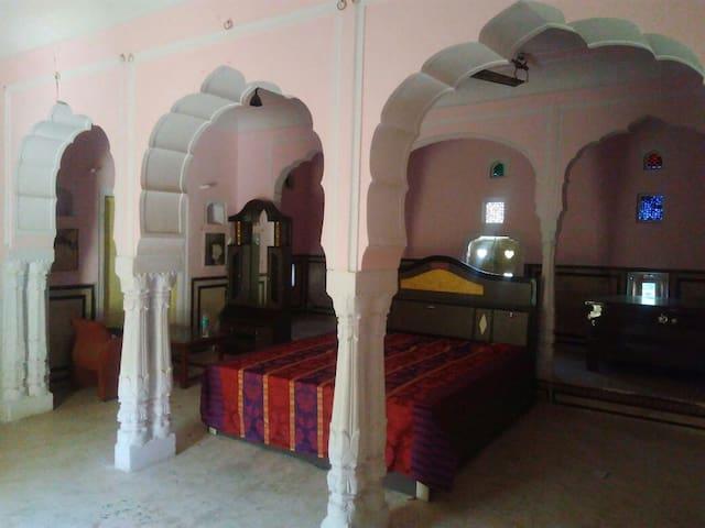 Heritage Haveli in centre on Samode near Jaipur - Samod - Casa