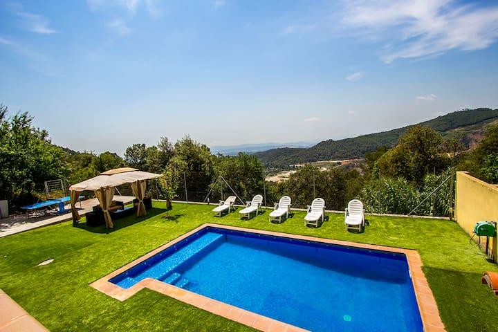Villa Sole Sant Feliu for 8 guests, just a short drive to Barcelona! - Barcelona Region - Villa