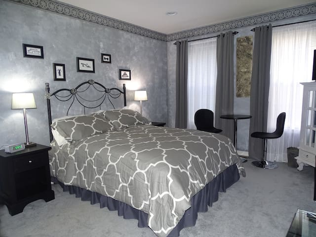 Spectacular private room and bath - Bordentown