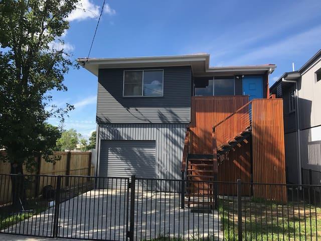 Gorgeous New  Queenslander - Rocklea - Maison