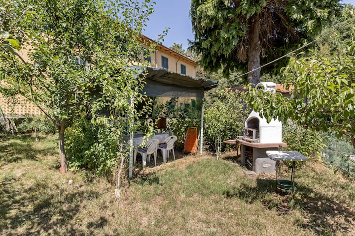 Soggiorno nell'Appennino con giardino privato - Campo Tizzoro - Departamento