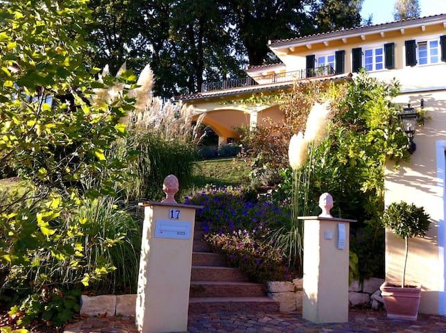 Mediterrane Villa am Chiemsee ***** - Bernau - Villa