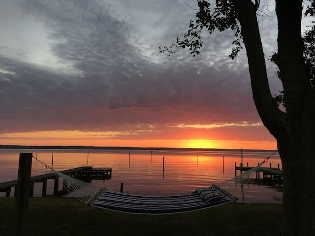 Lands End Lodge - Tappahannock - Hus