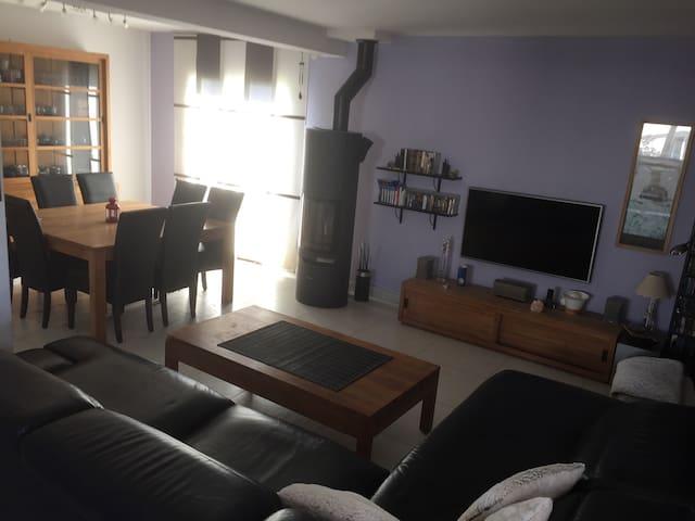 Maison récente et spacieuse, toute équipée - Richwiller - Дом
