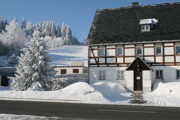 Ferienhaus am Skihang - Altenberg - Leilighet