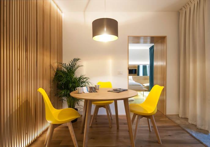 Garden House 2: design & simplicity - Timișoara - Daire