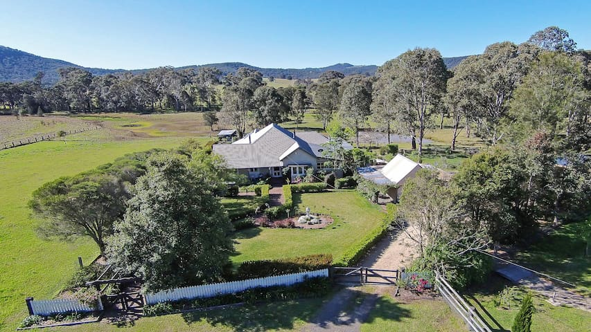 Millfield Homestead -A beautiful step back in time - Millfield - Hus