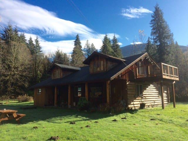 Historic Log Cabin - Marblemount - Hus