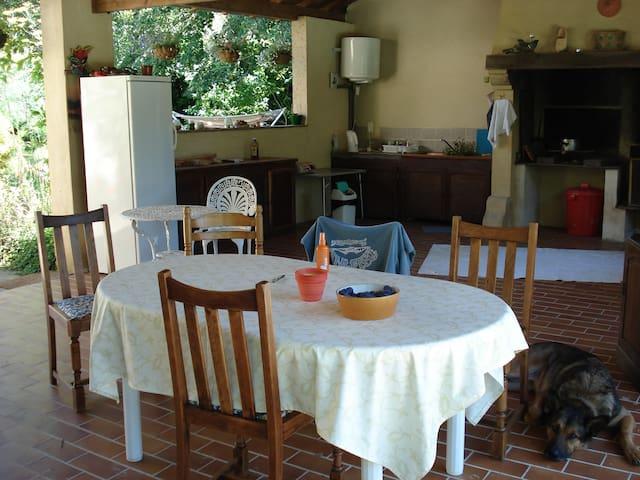 Malbec, Montclera - Montcléra - Huis