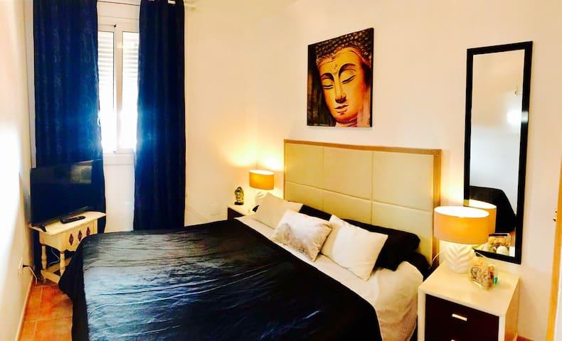 DOUBLE BED MARINA BOTAFOCH - Eivissa - Appartement