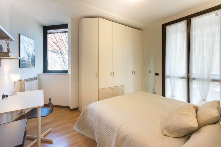 "Elegant two room ""Massarotti 44"" - Cremona - Huoneisto"