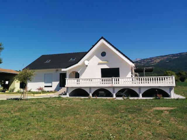 villa blanche aux arcades - La Salle-en-Beaumont - Villa