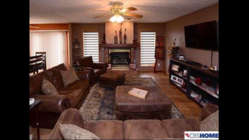 Acreage Fully Furnished Home - Neola - Huis
