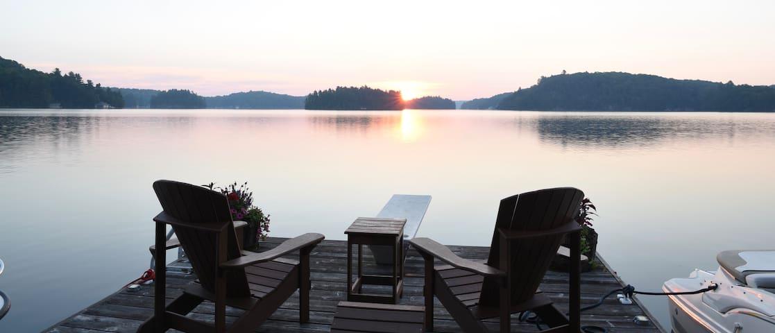Lake Rosseau: Beautiful Morgan Bay Sunrise Cottage - Rosseau - Casa