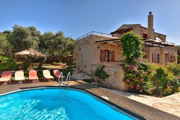 Io Villa with private pool and panoramic view - Xirokampi - Villa