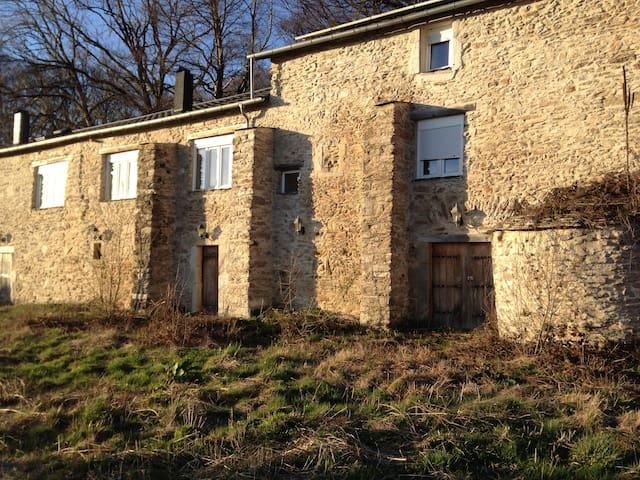 maison isolée dans la foret du haut languedoc - Courniou - Natuur/eco-lodge