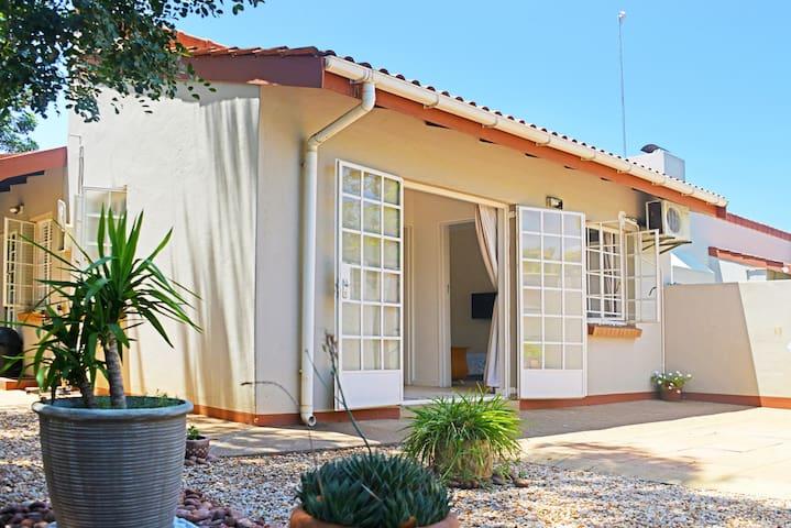 Kgale Cottage - Gaborone - Casa