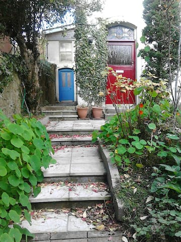 Self contained apt. in family home. - Cork - Appartement