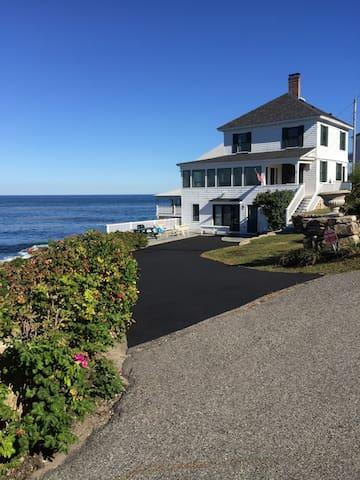 Maine Coast Home with fabulous views - Йорк - Дом