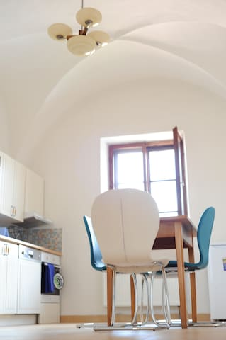 New flat in 500 year old gothic house - Slavonice - Appartement