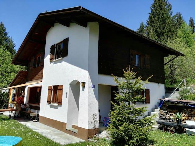 Berghütte/Chalet für Urlaub mit Familie & Freunden - Nüziders - Hus